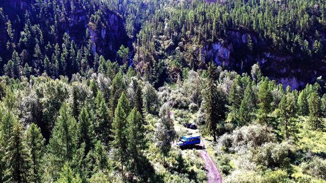 Полет к водопаду на реке Верх Карасу на Алтае. Лето - 2017. Часть-7.