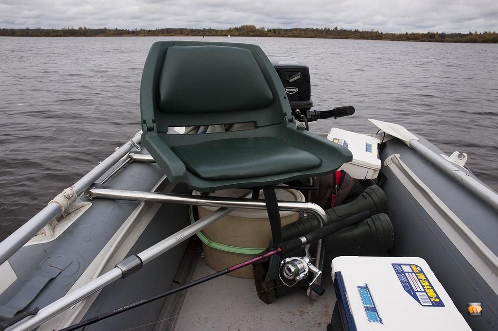 Кресло в надувную лодку своими руками