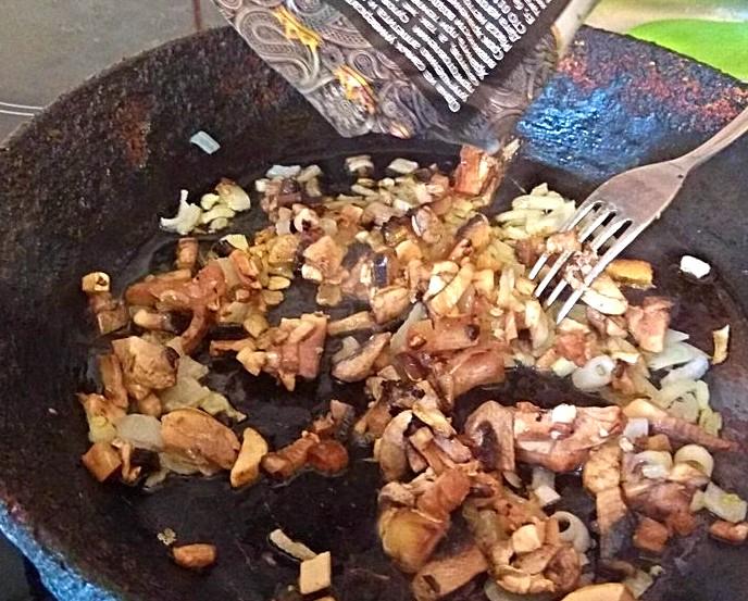 Прикрепленное изображение: перец в грибы.jpg